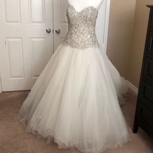 Allure Bridals C244 Used Wedding Gown